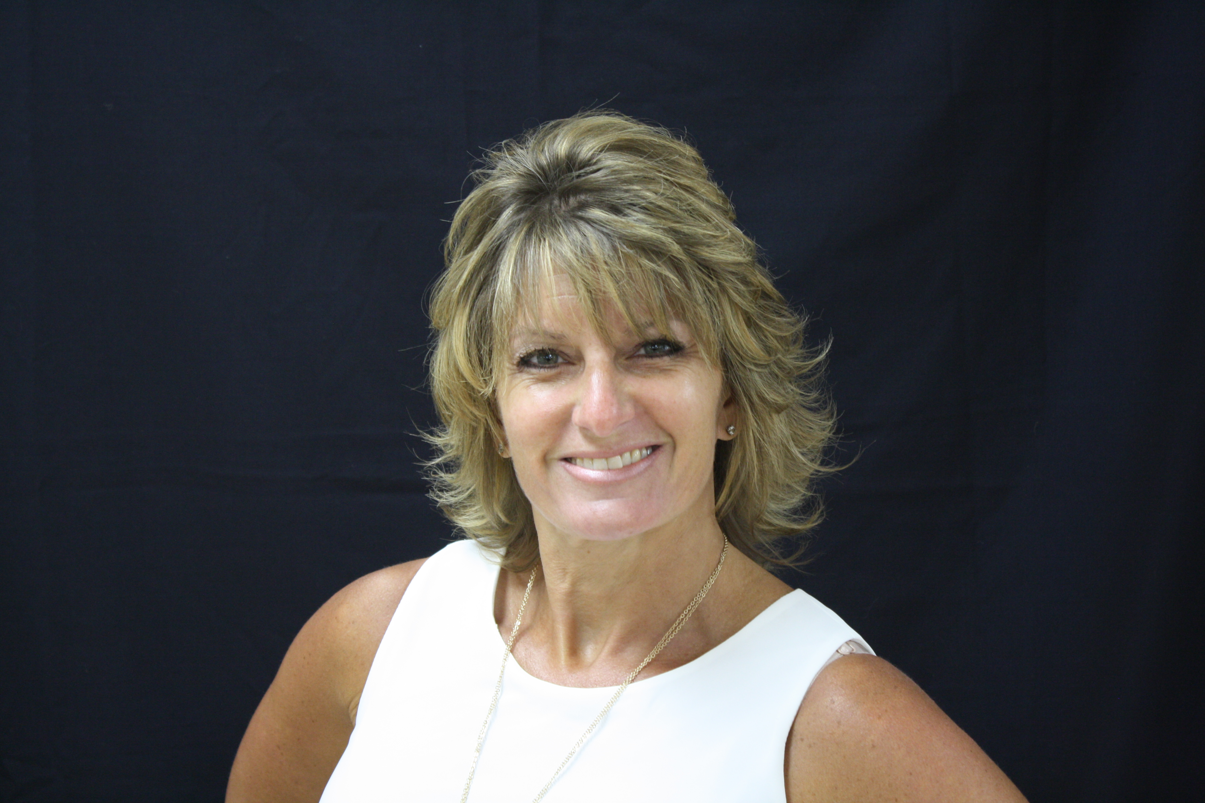 Kim Duvall : Administrative Assistant