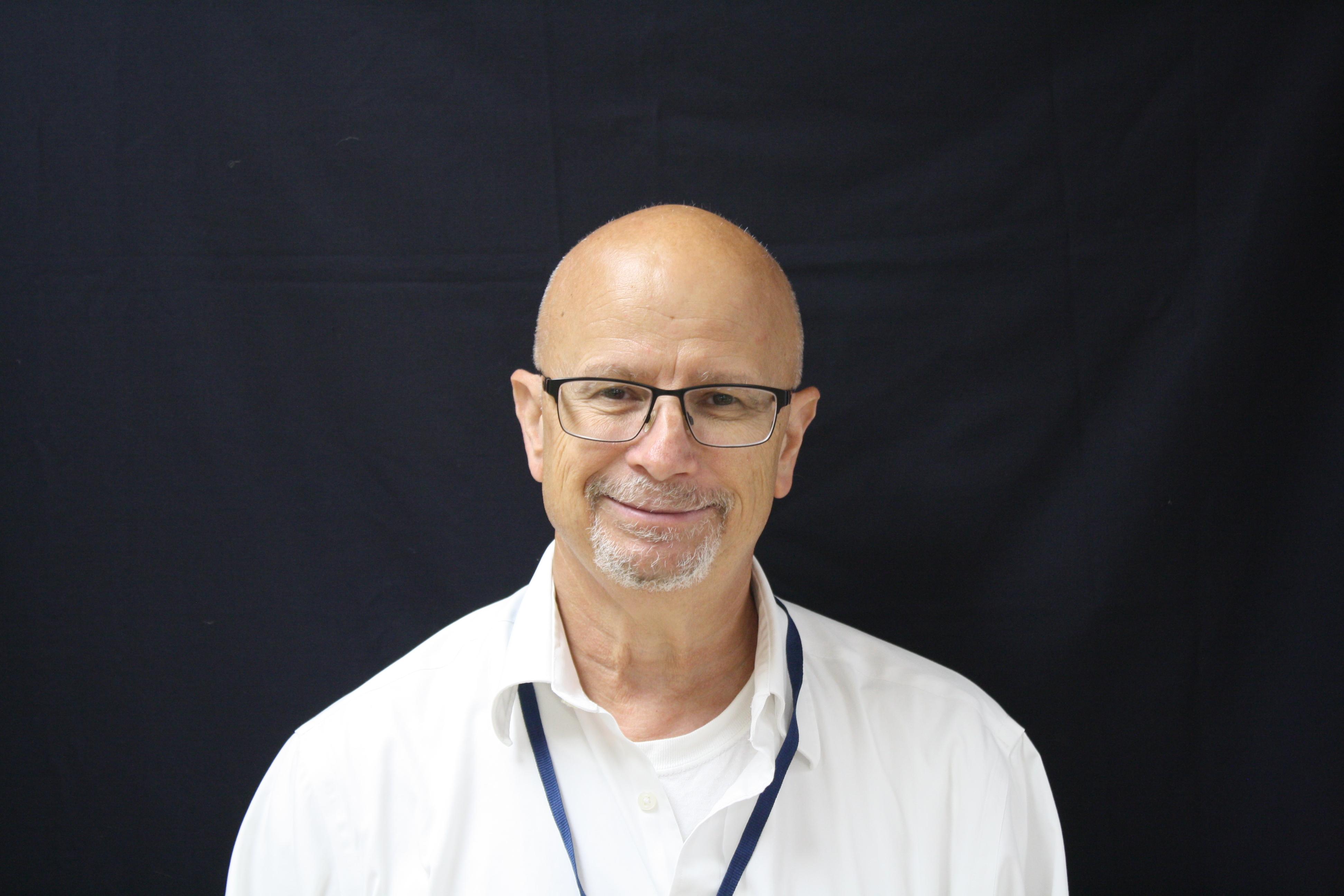 Charles Oliver : High School Math Teacher