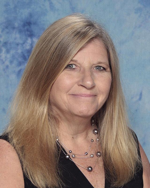 Peggy Neilson : Middle School History Teacher