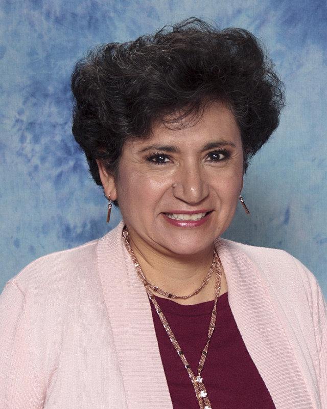 Elizabeth Ondulich : High School Spanish Teacher
