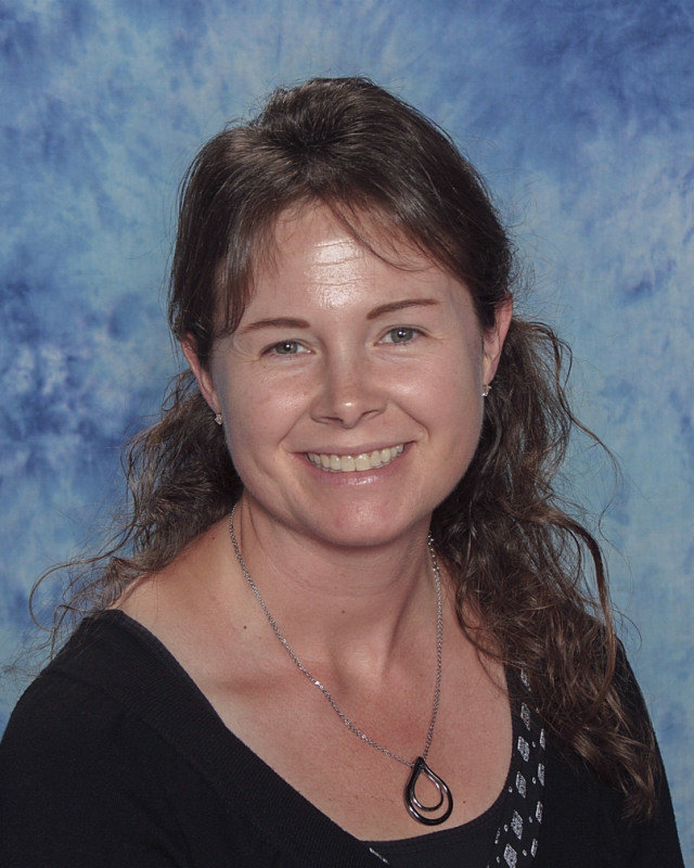 Tara Bartolain : Support Staff