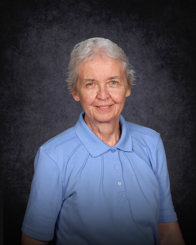 Esther Smith : High School Calculus Teacher